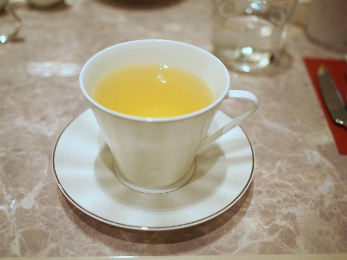 こちらはレモングラス。風味がとてもしっかりしているレモングラスのハーブティーでした。