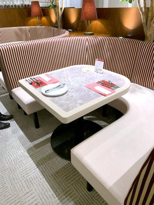 café VAVAの席