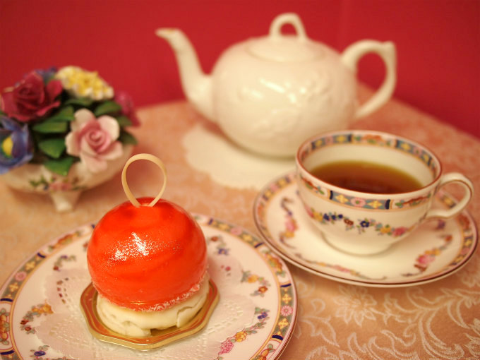 HIBIKA(ひびか)の夏のケーキ「水風船」と紅茶