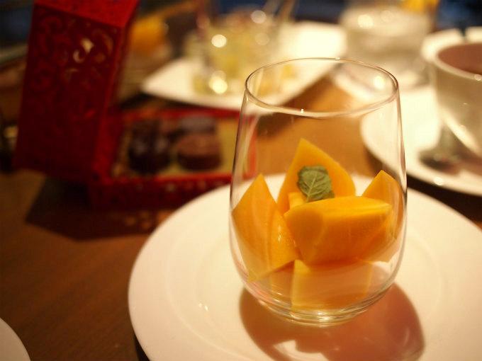 フレッシュマンゴー。ちょうど食べごろの甘くておいしいマンゴーでした。