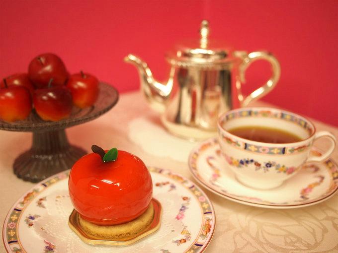 HIBIKAの秋のケーキ「林檎」と紅茶