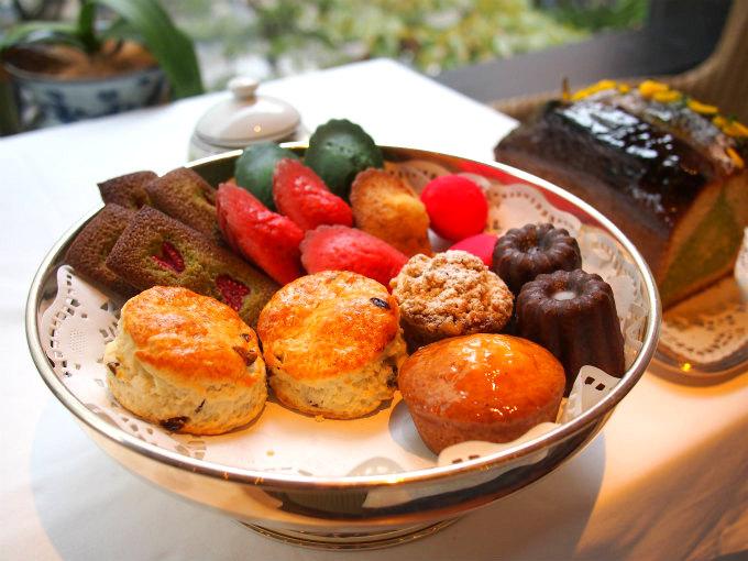マリアージュフレールでは焼き菓子も提供していてお持ち帰り用のものもあります。
