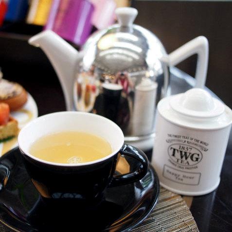 ハッピーアワーティー 緑茶に甘い香りのフレンチスパイスと柑橘系の香りを付けたフレーバーティー。