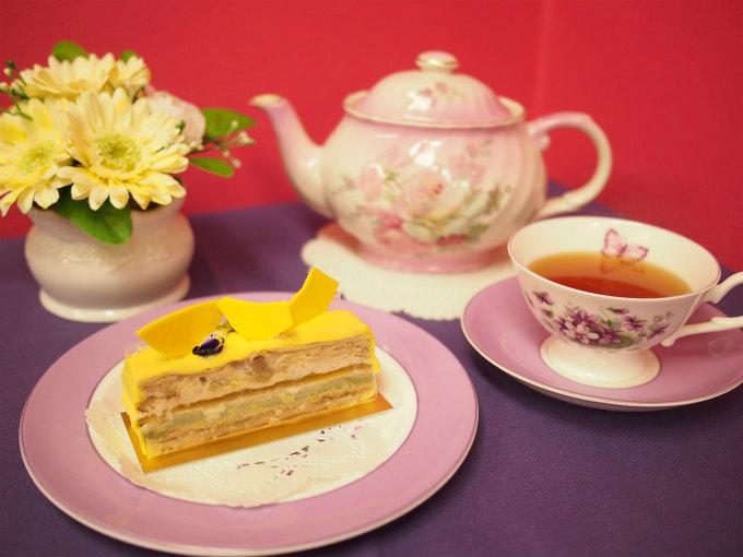 ピエール・エルメのケーキ「サラ」と紅茶