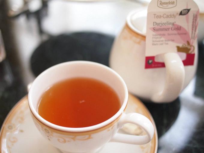 東京ディズニーランドホテル 「ドリーマーズ・ラウンジ」の紅茶はロンネフェルトです。