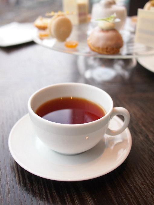 こちらはトロピカルオレンジ。オレンジはサーモンと相性がいいのでサーモン ミ・キュイ レフォールを頂くときはこちらのお茶を合わせました。