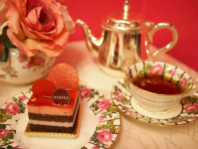HIBIKAの秋のケーキ「茜」と紅茶