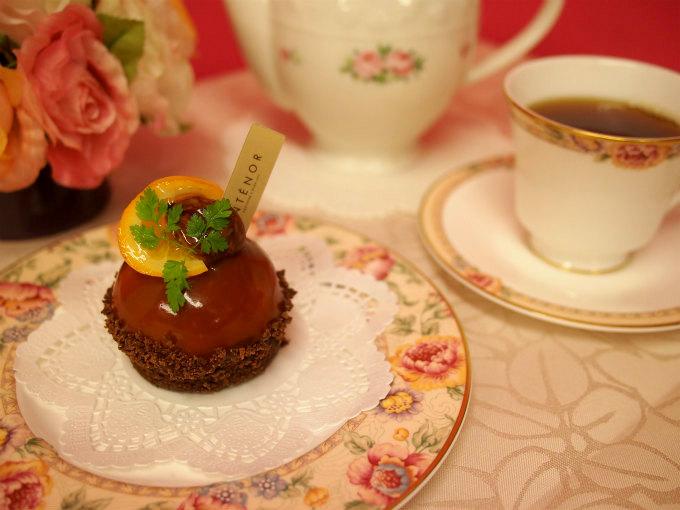 アンテノールの「マロン・オランジェ」と紅茶