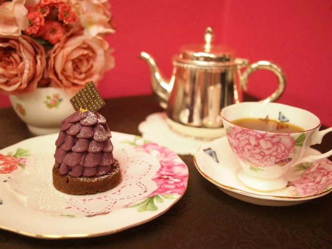 アンテノールの「むらさき芋のモンブラン」と紅茶