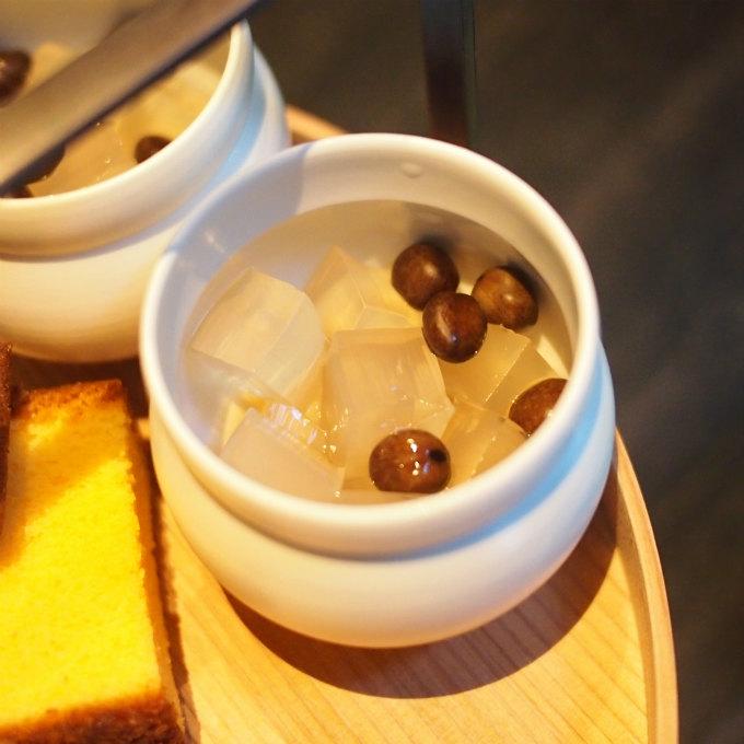 こちらは「豆かん」。シンプルだけど美味しい一品。