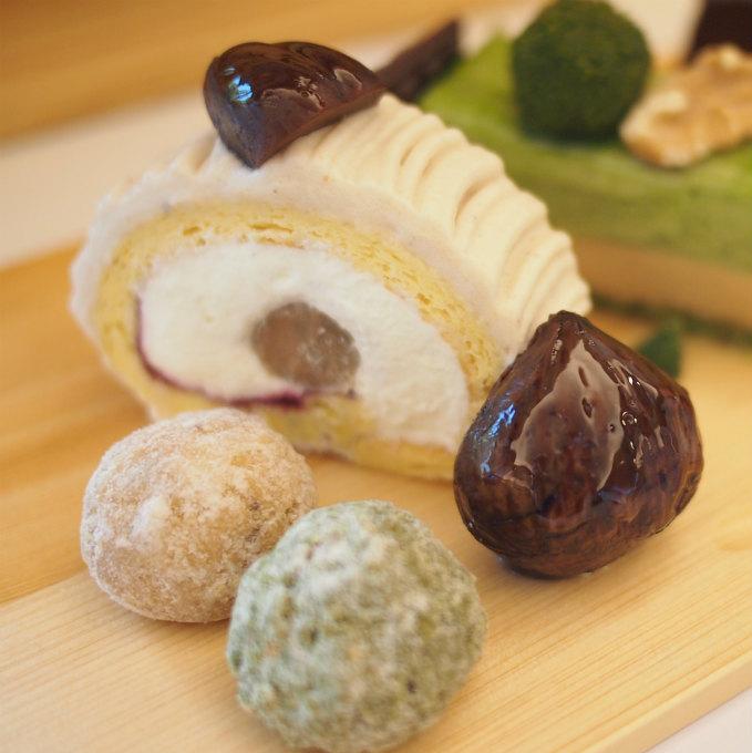 和栗とカシス、フランス栗のロールケーキとクッキー