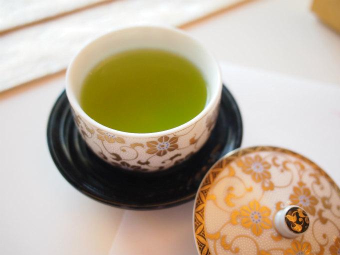 「四季彩アフタヌーンティー 千」の最初の1杯は決まっていて、和光園の水出し緑茶でした。