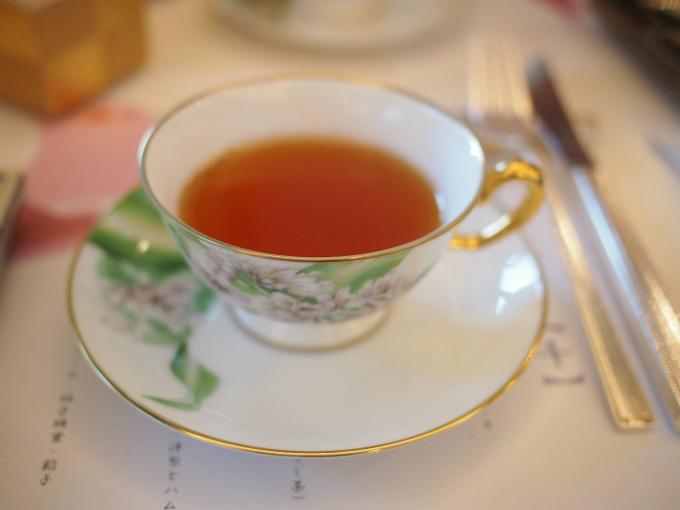 こちらは和紅茶の夢ふうき。とても良い香りの紅茶でした。