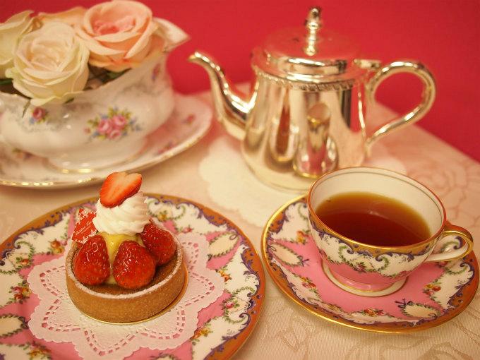 フレデリック・カッセルのタルトフレーズと紅茶