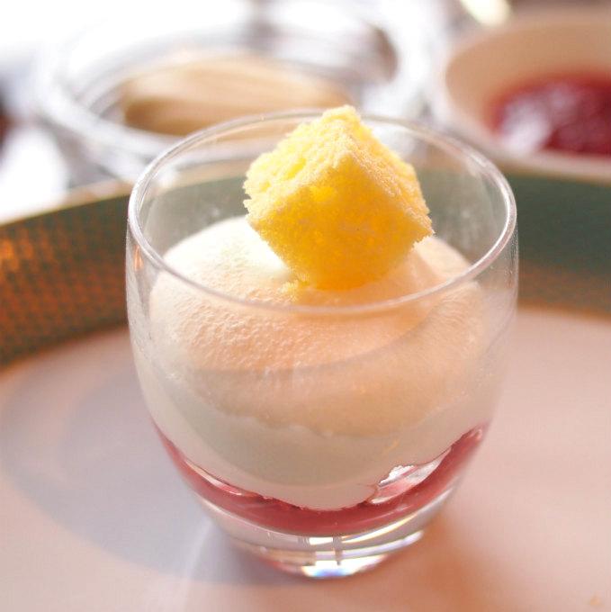 ショートケーキ ヴェリーヌ仕立てなめらかな生クリームの美味しさに感動です!