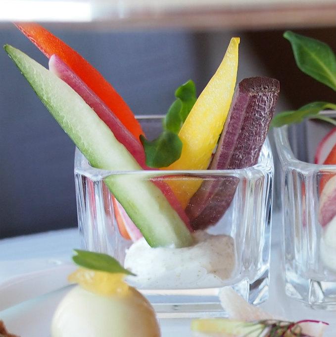 季節の野菜スティック モミのディップモミのディップがさわかやで美味しかったです。