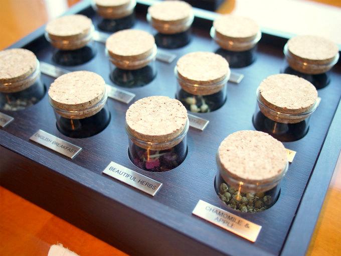 リッツカールトン東京の紅茶はルピシアのもの。実際に茶葉をみながら選べます。