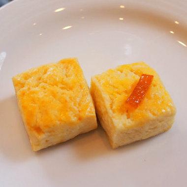 プレーンスコーンとオレンジスコーンハードタイプのスコーンです。