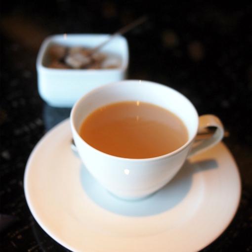 インディアン ミルク チャイ  お砂糖をたっぷり入れて飲むのがおすすめとのことです。スパイス使いが上品でとても美味しい!!!