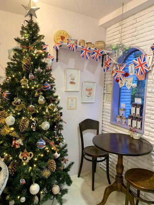 12月だったのでクリスマスツリーも飾ってありました。