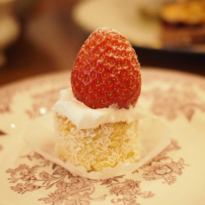 イングリッシュマドレーヌのキャンドルケーキ