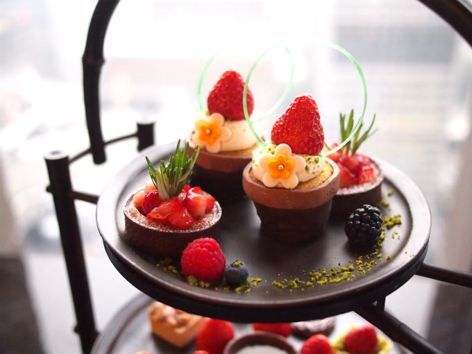 aman2020strawberry afternoontea sweets