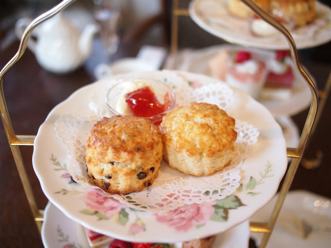 enokitei rose afternoontea scone