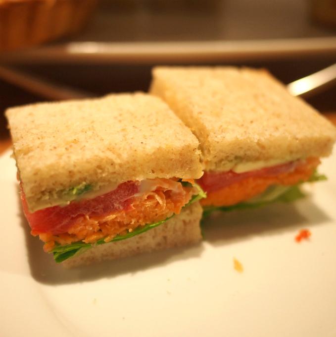 野菜のサンドウィッチ