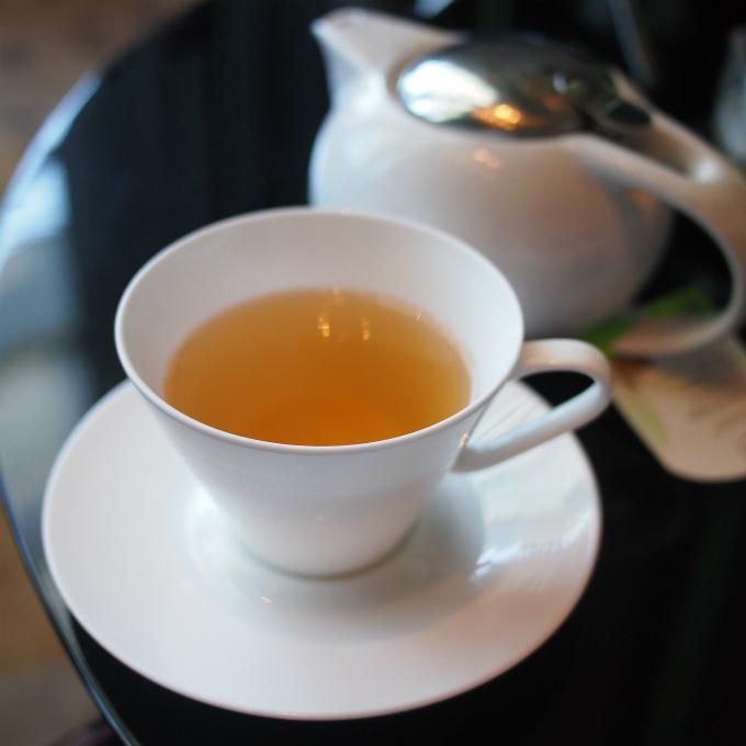 グリーンドラゴンロンジン 中国の緑茶です。