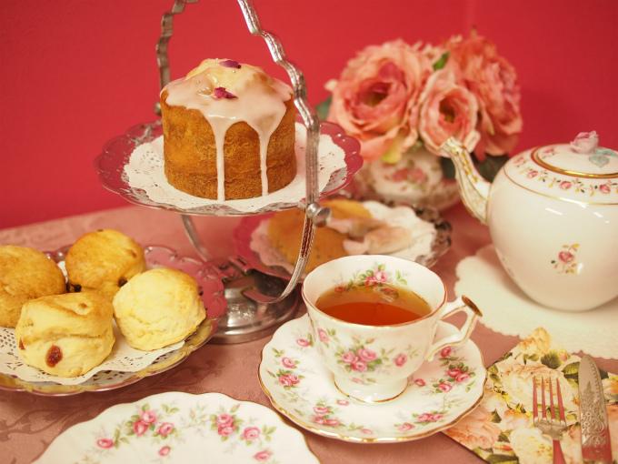 ベリーズティールームの「初夏のアフタヌーンティーセット」と紅茶