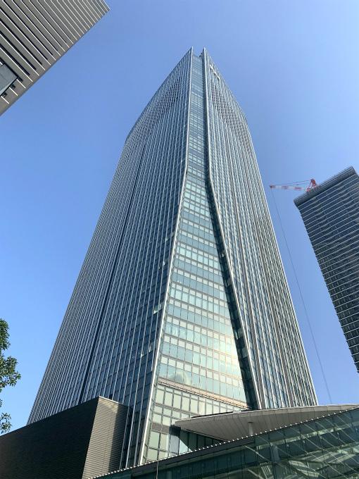虎ノ門ヒルズの外観。37階のスパと47階~52階がアンダーズ東京です。