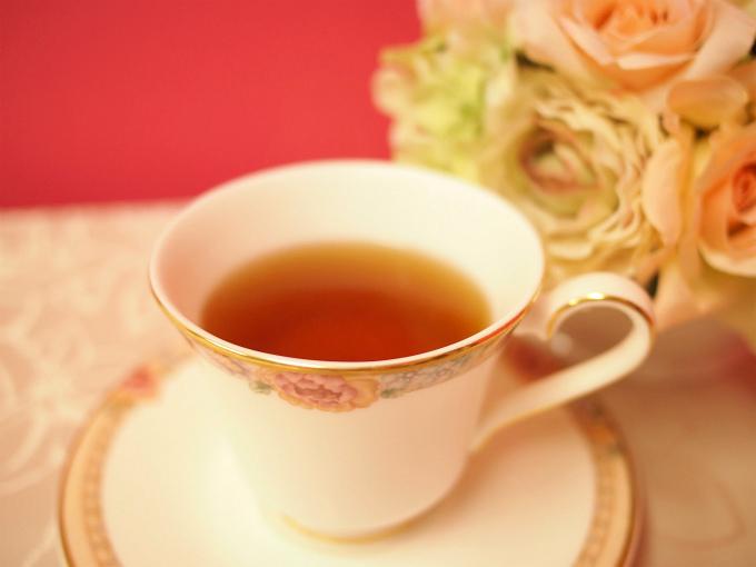 ダージリンセカンドフラッシュの水色(すいしょく)は紅茶の中でも特に綺麗で澄んでいます。