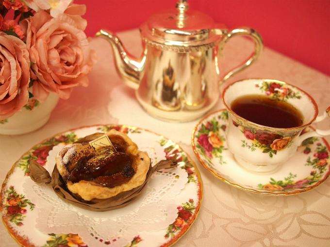 レザネフォールのアップルパイと紅茶