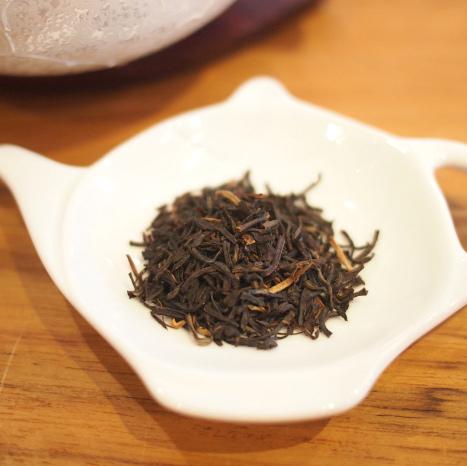 こちらはアムグーリーの茶葉。