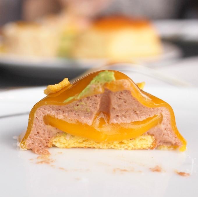 これめちゃめちゃ美味しかったです!チョコとパッションフルーツという最強の組み合わせにマンゴーなんて美味しいに決まってる!