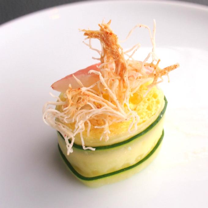 胡瓜と卵のロールサンド ズワイ蟹 オリーブオイル キャビア美しくて美味しいサンドウィッチ!