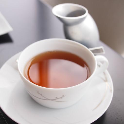 ザ・ペニンシュラ東京アフタヌーンティー さっぱり目の紅茶なのでストレートで
