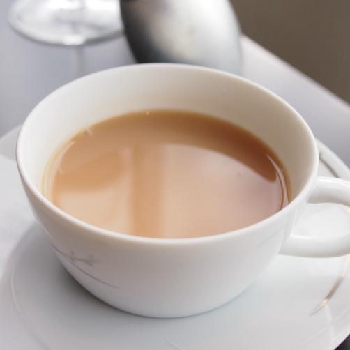 ザ・ペニンシュラ東京ブレックファストティーはミルクティーに合う紅茶でした。