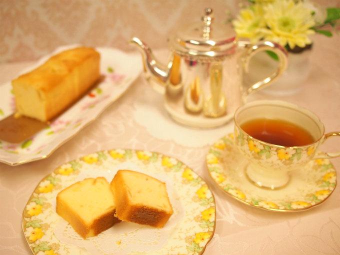 帝国ホテルキッチンのレモンケーキと紅茶