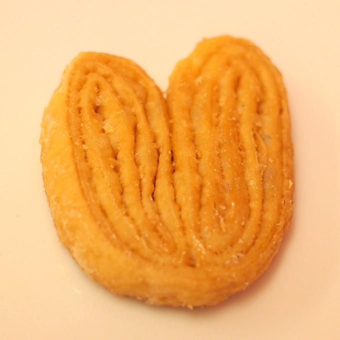 パルミエ バターの香りでしっとりめの小さなパイ