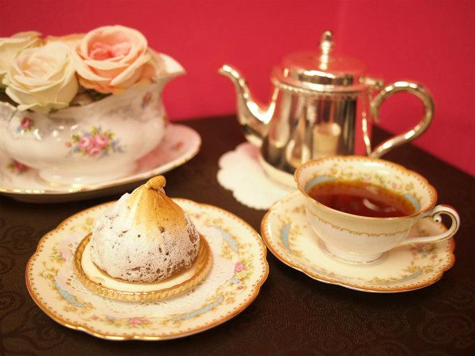 トレカルムの「マジェストゥ」と紅茶
