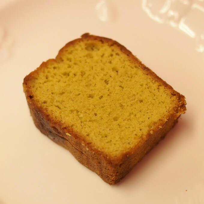 ケーク・ピスターシュピスタチオのパウンドケーキです。