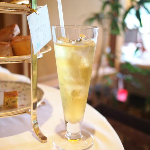 アイスピーチウーロンこれ美味しかった!桃は中国茶と相性がいいですね!