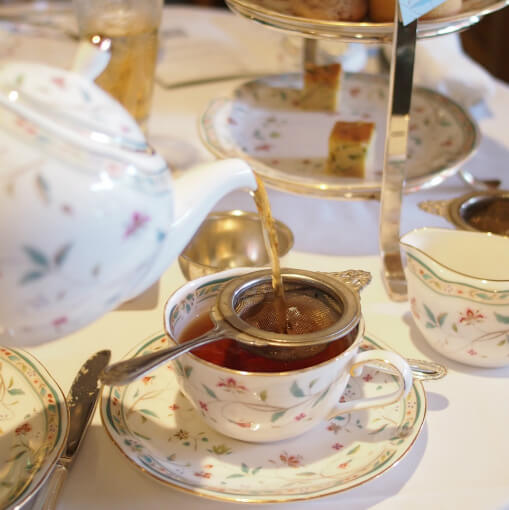 注いだ瞬間から紅茶の良い香りが漂います。