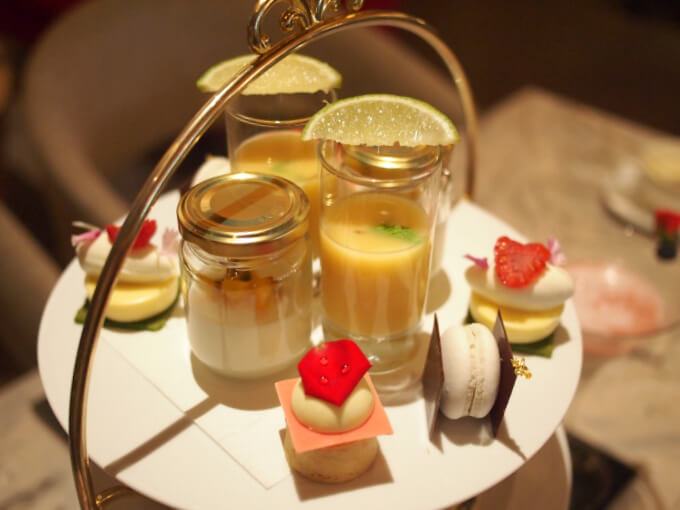 hudsonlounge lactic afternoontea sweets01