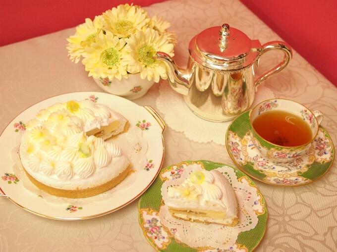 Like Sweets BOXのアイスケーキ「フルールジョーヌデテ」と紅茶