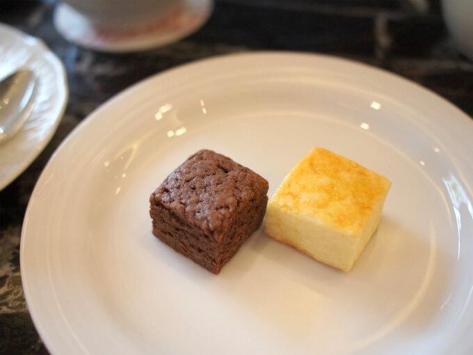 チョコレートスコーンとプレーンスコーンハードタイプのスコーンです。