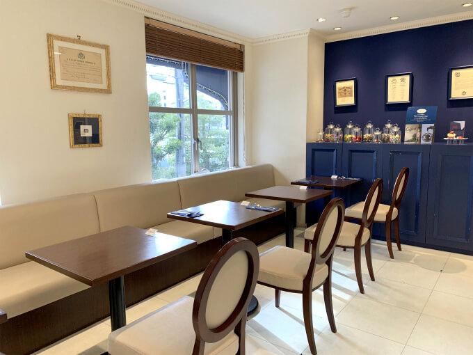 北野本店の店内には日本で唯一のカフェスペースもあります。アシェットデセールの提供もしているそうです。