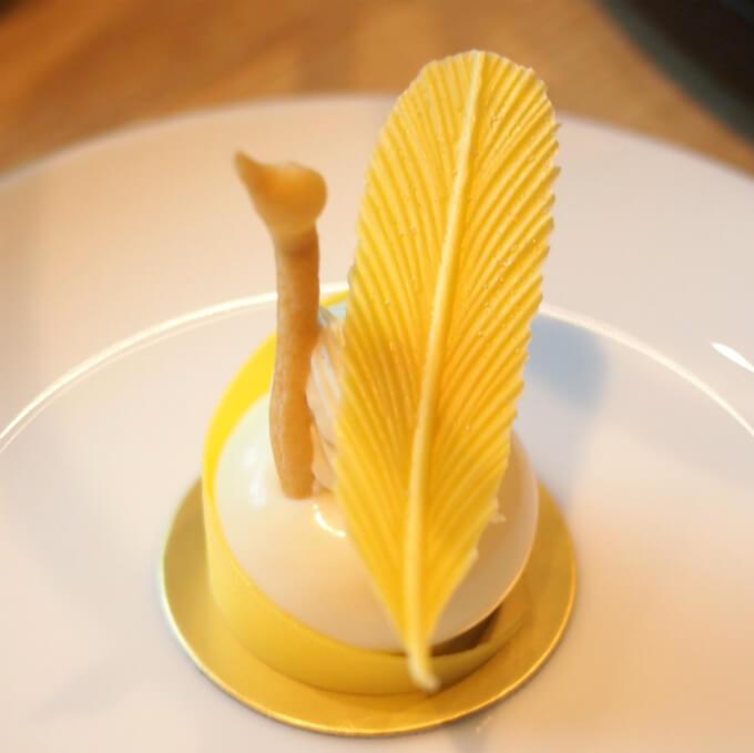 レアチーズケーキ 鳳凰スタイルスワンかと思ったら鳳凰でした!