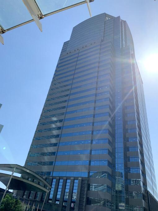ストリングスホテル東京インターコンチネンタルが入っている品川イーストワンタワーの外観。26階~32階がストリングスホテル東京インターコンチネンタルです。